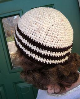 Crochet_hat_nov_creambrown_2_small2