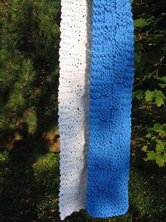 Chunk_a_block_scarf_blue_white_2_small2