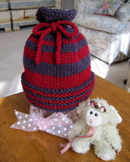 Woodsy_baby_hat_red_purple_2_cr_small2