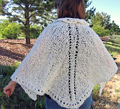 Easy_knit_shawl_on_e_2_small