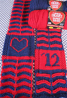 So_peak_to_peak_scarf_finished_table_2012_small2