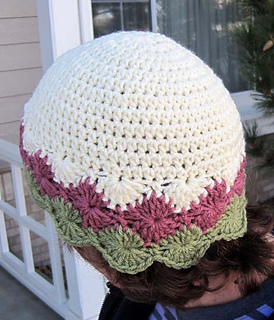 Diamond_edge_hat_rose_grn_on_k_back_small2