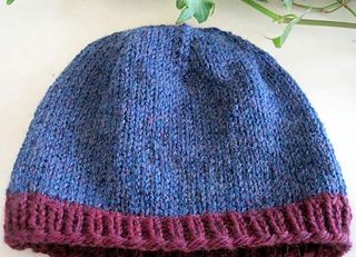 Knit_hat_for_anyone_blu_burg_flat_small2