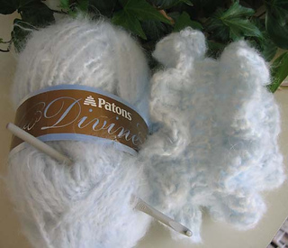 Ruffled_muff_in_divine_small2