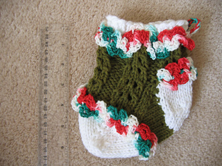 Ruffled_lace_baby_stocking_1_small2