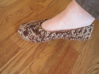Brown_tweed_slipper_one_on_foot_small2
