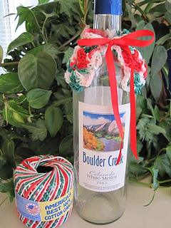 Christmas_capelet_cuff_on_bottle_small2