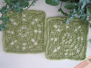 Vintage_wheel_square_halcyon_victorian_2ply_small2