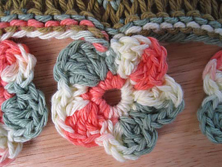Drop_of_color_shawl_flower_border_small2