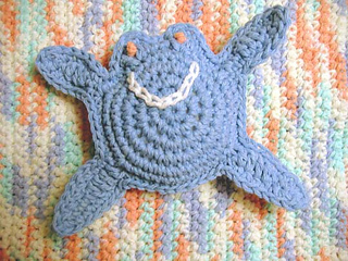 Happy_crab_on_beach_rug_small2