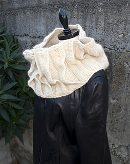 Nest_cowl_2_web_small2
