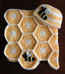 Ravelry Sweet As Honey Baby Blanket Set With Bee Applique