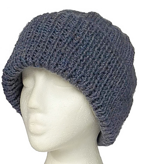 Aran_hat_on_white_background_small2