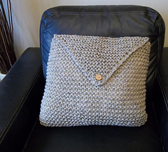 Garter_stitch_cushion_2_small