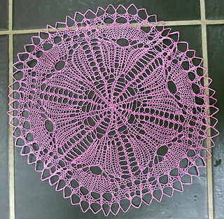 Pink_knitted_doiley__3_small2