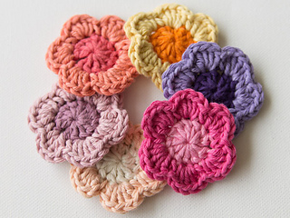 Wink-crochet-flower-finished3_small2