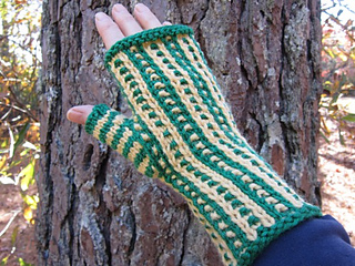 Team_spirit_mitts_hand_pm_small2