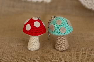 Free Crochet Cat Keychain Pattern : Ravelry: Mushrom Keychain pattern by Miss Dolkapots