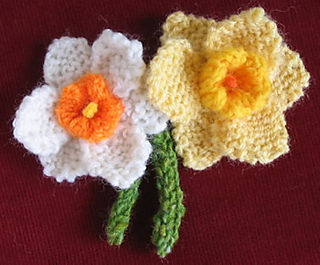 Knitted Daffodil Brooch Pattern : Ravelry: Daffodil pattern by Wendy Phillips