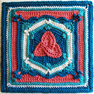 Triquetra_afghan_block_small2