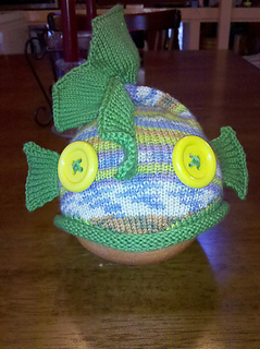Green_minnow_hat_front_small2