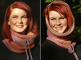 P3a_crocheted_eyelet_cowl_small2