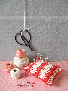 _emma_lamb_-_nordic_pincushion_-_ravelry_2_small2