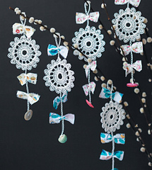 Crochet_home_-_paper_flower_charms_beauty_image_small