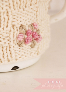 Blog_knitted_cozy_detail_by_epipa_komp_small2