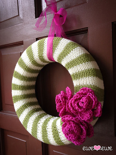 224_year_round_wreath_side_small2
