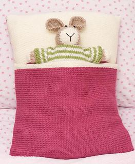 Knitting_03-0070_1rh_small2