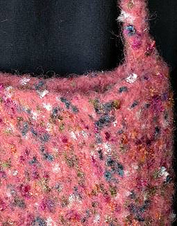 Felted-knit-iceland-littlefl-det_small2