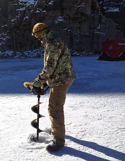 Ice-auger-buckhorn-cap-sm_small2