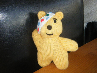 Ravelry: Pudsey Bear pattern by Alan Dart