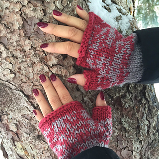 Ombre_gloves2_small2