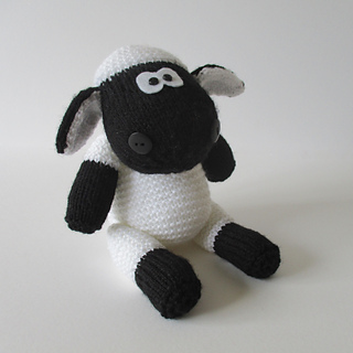 Ally_the_sheep_img_1513_small2