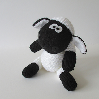 Ally_the_sheep_img_1488_small2