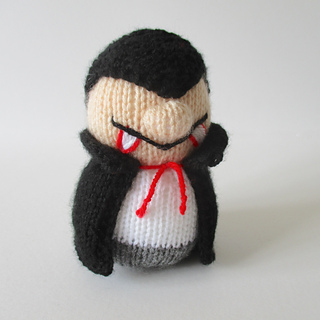 Dracula_and_ghosty_img_1677_small2