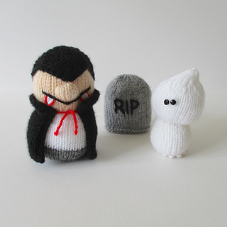 Dracula_and_ghosty_img_1665_small2