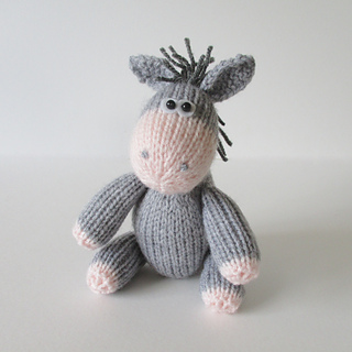 Bobbin_the_donkey_img_2097_small2