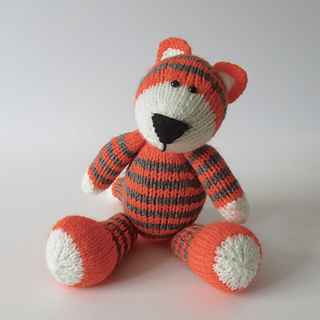 Toby_the_tiger_img_1190_small2