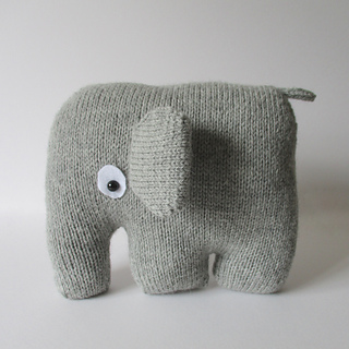 Elephant_cushion_img_3750_small2