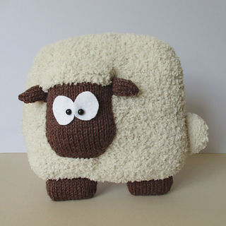 Sheep_cushion_img_3821_small2