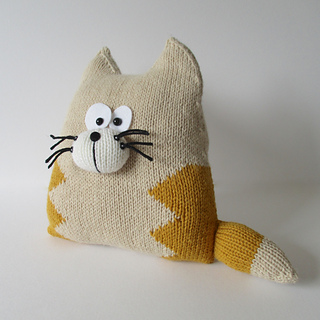 Cat_cushion_img_3630_small2