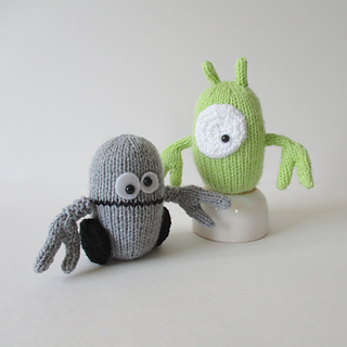 Alien_and_robot_img_2843_small2