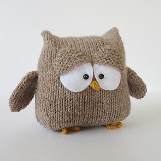 Oscar_the_owl_img_4075_small2
