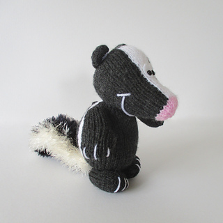 Cyril_the_skunk_img_4038_small2