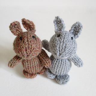 Egg_cup_bunny_img_8483_small2