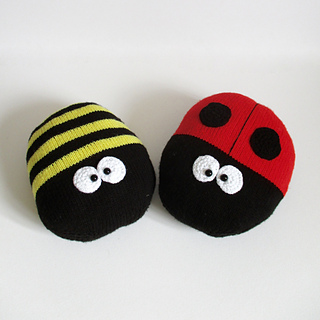 Ladybird_and_bee_img_8489_small2