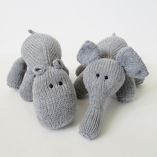 Hippo_and_elephant_img_8819_small2